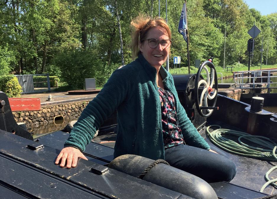 Waterman m/v: Caroline Docters van Leeuwen