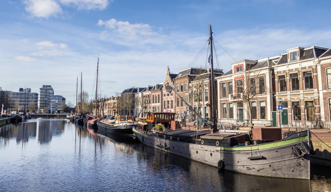 Leeuwarden: waterstad binnen de singels