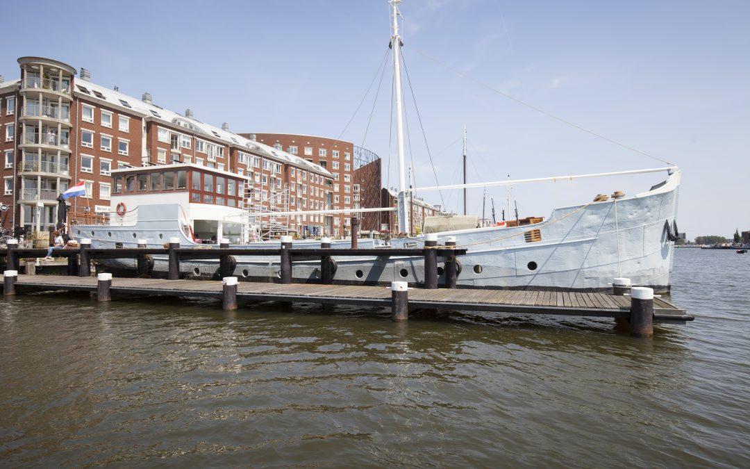Video: van zeewaardig vrachtschip naar duurzame waterwoning