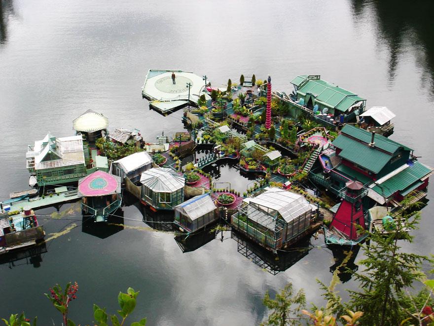 Freedom Cove: een artistiek waterwooneiland in Canada (met video!)